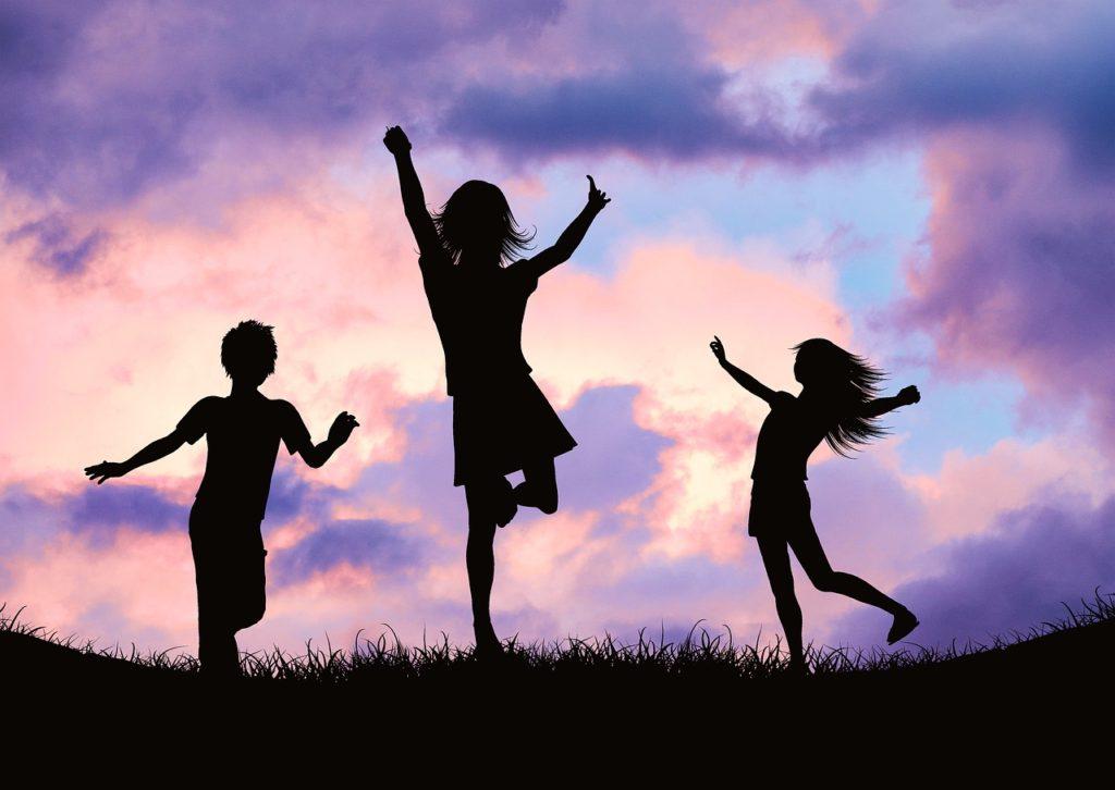 Children Silhouette Kids Tree  - AlemCoksa / Pixabay