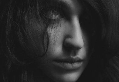 Girl Face Portrait Profile  - krivitskiy / Pixabay