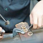 Šperky z chirurgické oceli – výběr i péče