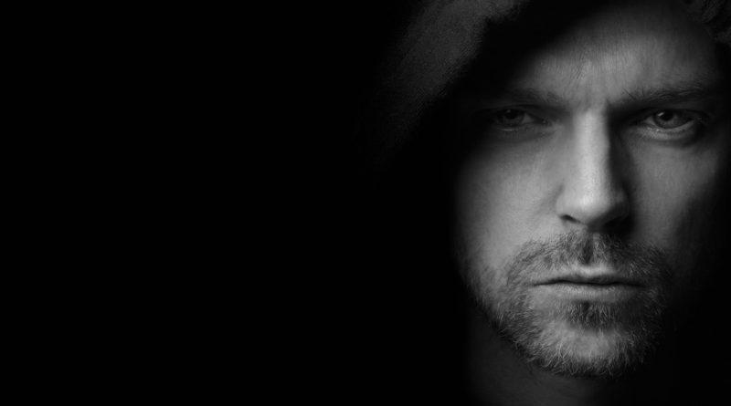 Man Face Mysterious Mystery Dark  - Sammy-Williams / Pixabay