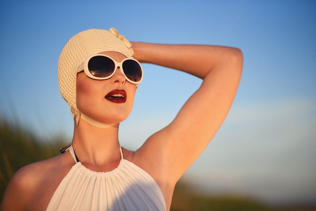 Woman Beauty Fashion Portrait - alimcmath1 / Pixabay