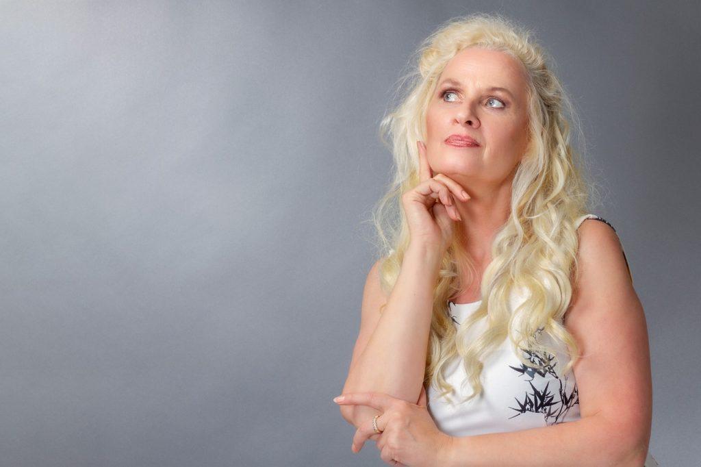 Woman Best Ager View Blond  - Sponchia / Pixabay